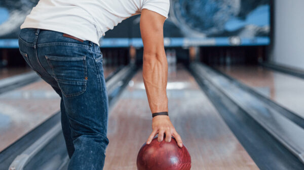 How to bowl better - a guide to bowling for beginners.