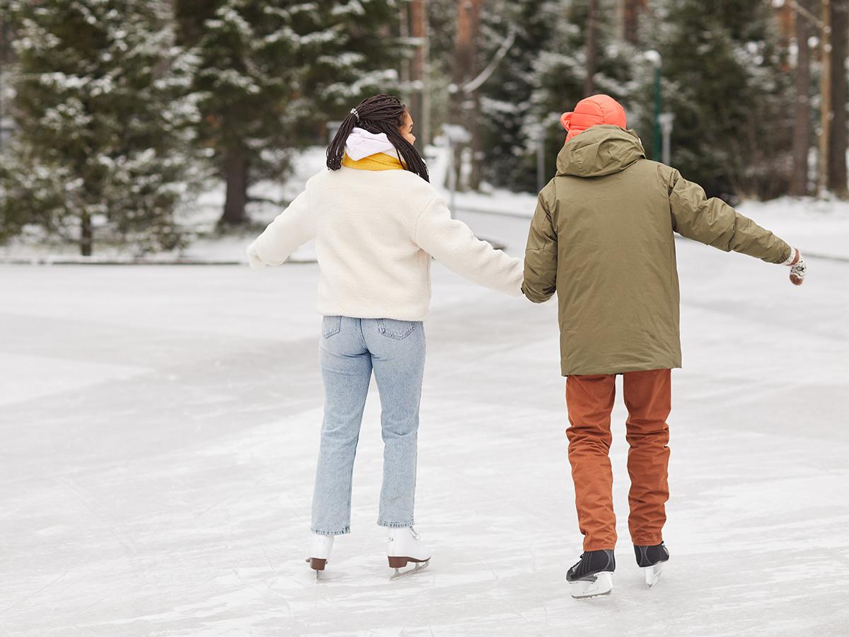 couple ice skating